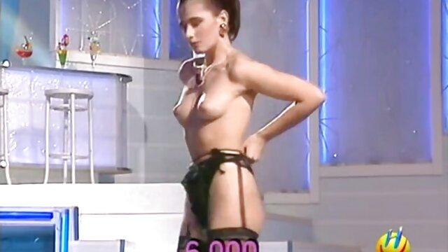 Baisée en film pornovore fille anale, puis a fini son visage