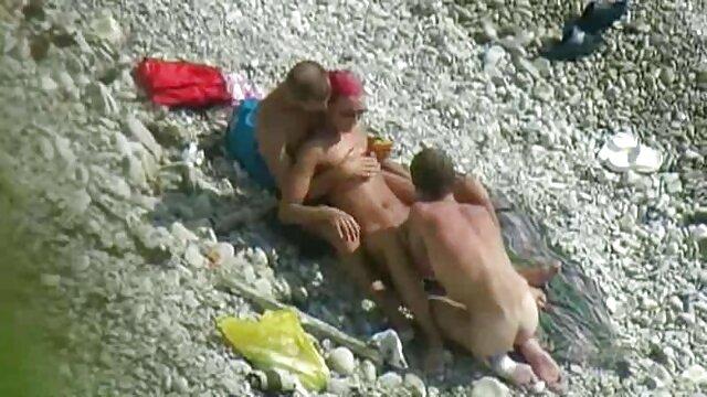 Une belle salope baise son vagin avec film porno gratuit en français un gode rose