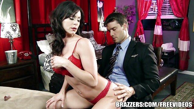 Sexe passionné avec Peyton Lafferty, deux bites dans film erotique xxx le cul