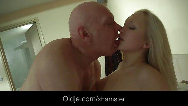Mec baise film porno gratuit chinois sa copine sexy de 18 ans