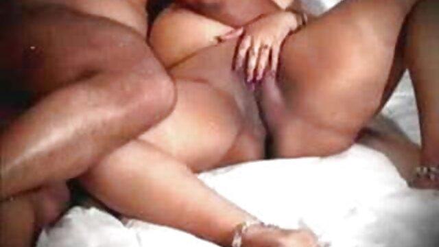 Femme russe suce une sex bus gratuit bite et prend du sperme dans le cul