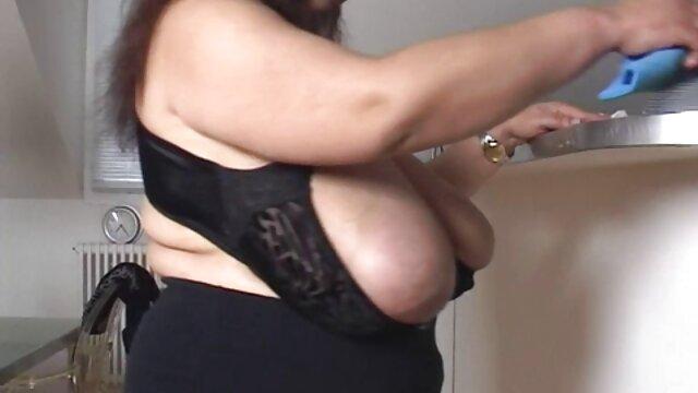 Sexe anal avec deux athlètes et un entraîneur mature film pornos arabe après l'entraînement