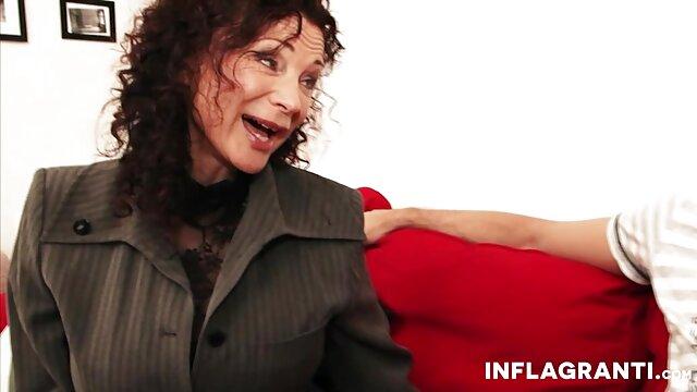 Un homme gonflé baise une jeune brune aux gros seins film porno francais hd avec sa grosse bite