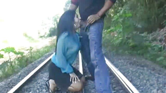 Un mec avec une grosse bite baise une blonde au gros cul dans une chatte potelée pornos femmes arabes