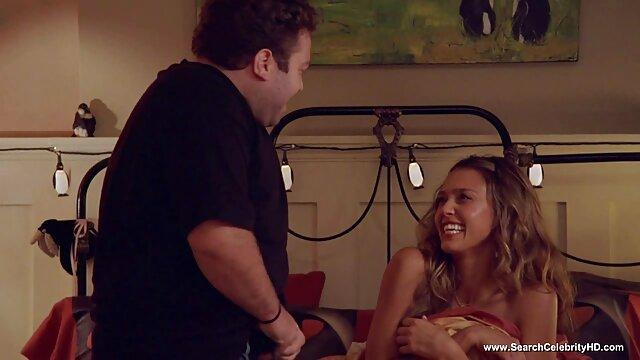 Deux salopes douces remplissent une bite de video porno gratuit 974 leur humidité