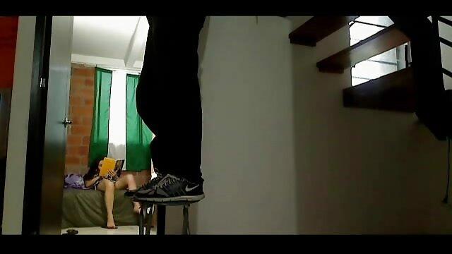 Une grosse femme mature aux gros film porno francais streaming seins baise un amant insatiable