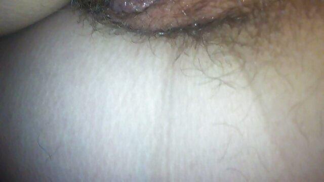 Rocco mature baise une jeune brune dans film amateur gratuit une sodomie serrée
