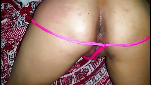 La brune aux porno film francais streaming gros seins Kiara Mia suce une grosse bite et baise